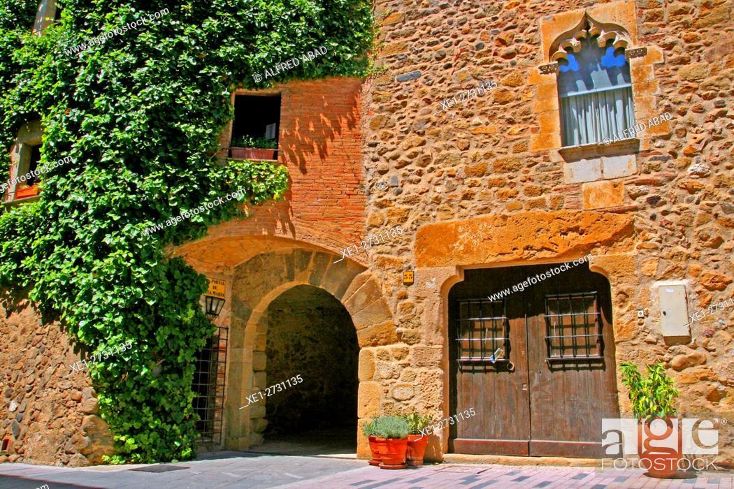 Stock Photo: Housing, Corça, Baix Emporda, Catalonia, Spain.