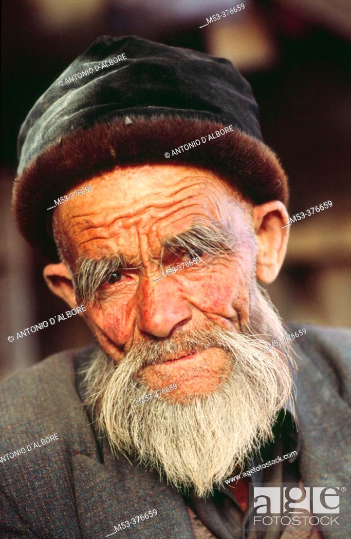 Stock Photo: Uighur man. Hetian. Hotan. Uighur Autonomous Region of Sinkiang (Xinjiang). China.