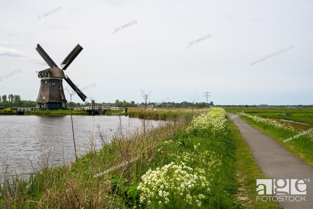 Stock Photo: Mill Woudaap at Krommeniedijk, Holland.