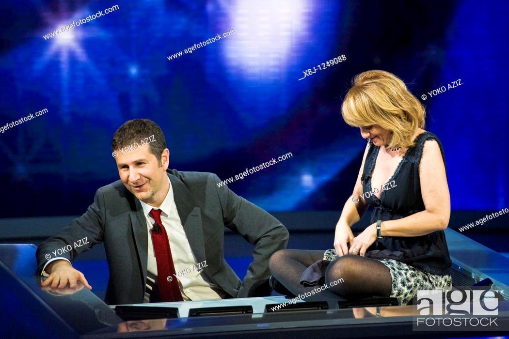 Imagen: 31 10 2010, Milan, 'Che tempo che fa' telecast, Luciana Littizzetto and Fabio Fazio.