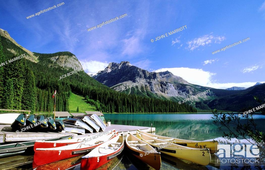Stock Photo: Emerald Lake and canoe docks, Yoho National Park, British Columbia, Canada.