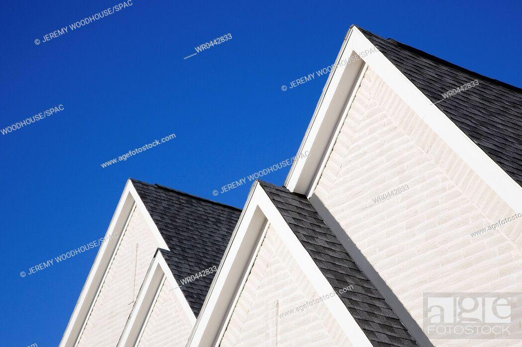 Imagen: Four Gabled Rooflines.