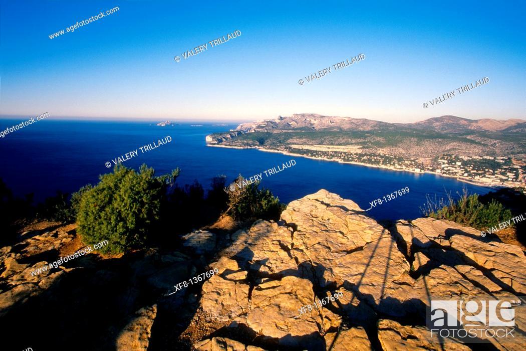 Stock Photo: Overview above the city of Cassis, Bouches du Rhône, Provence-Alpes-Côte d'Azur, France.