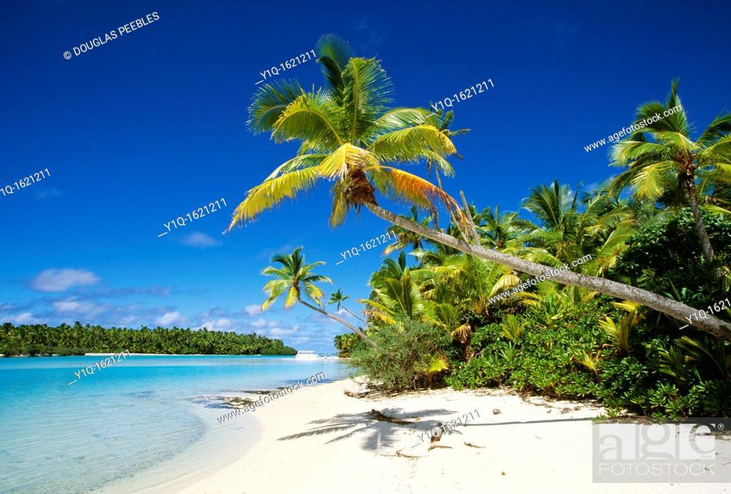 Stock Photo: One Foot Island, Aitutaki, Cook Islands.