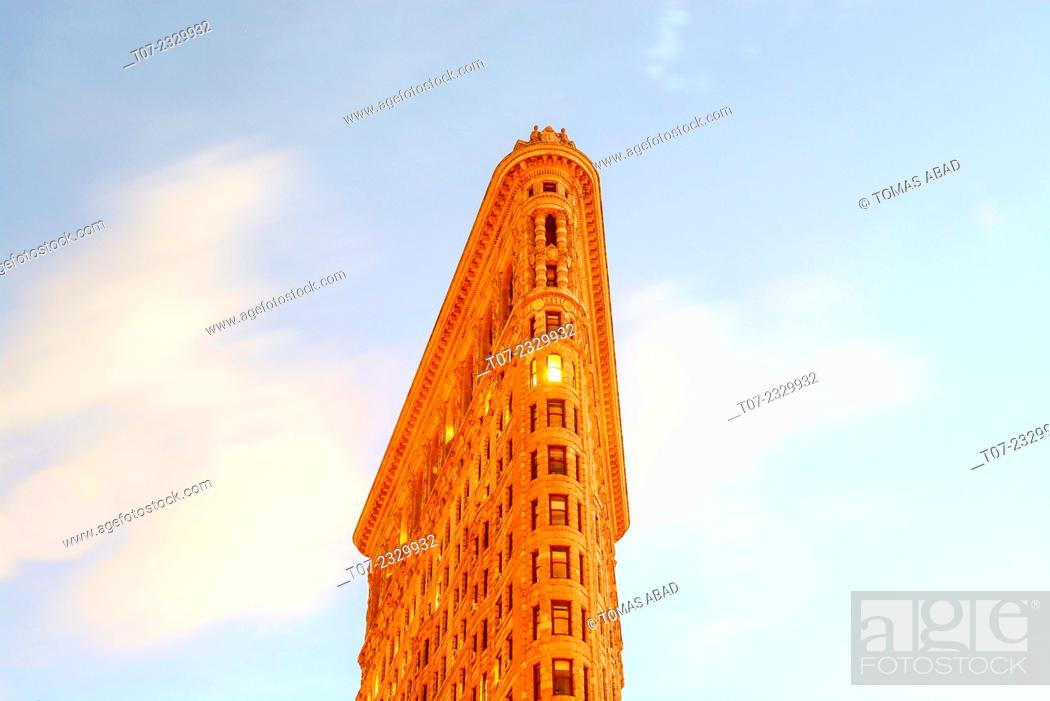 Stock Photo: Flat Iron Building, Midtown Manhattan, 5th Avenue and Broadway, New York City, USA.