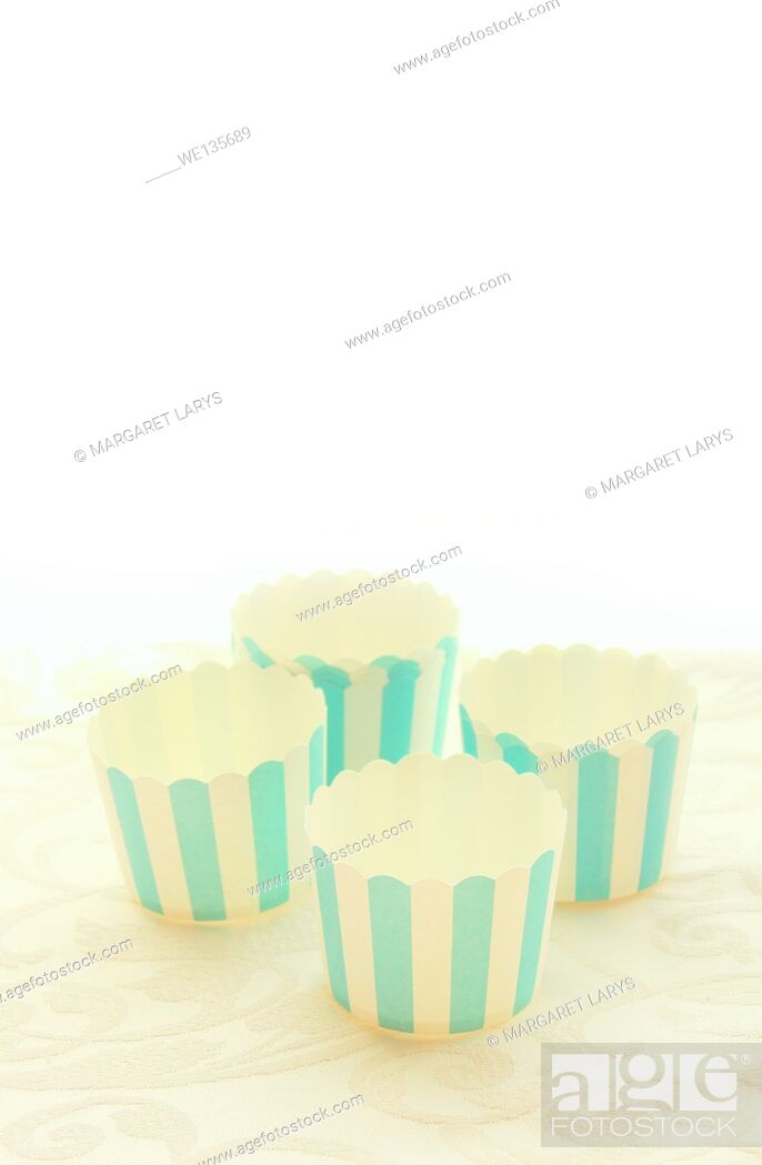 Stock Photo: Emepty round muffin cups, blue stripes.