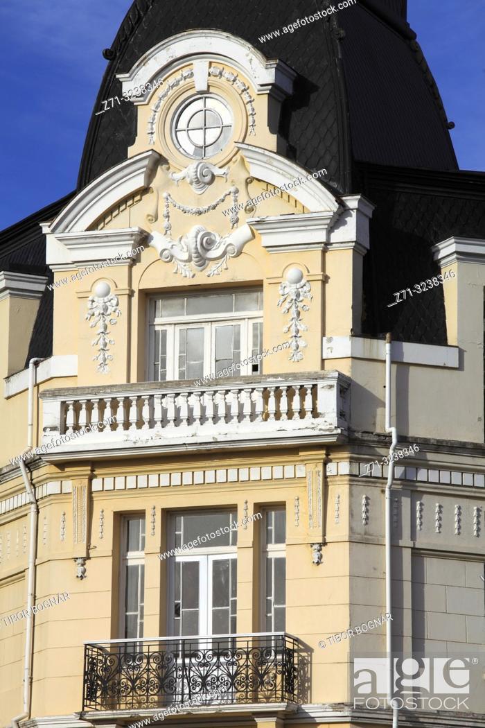 Imagen: Chile, Magallanes, Punta Arenas, Plaza de Armas, historic architecture, detail, .