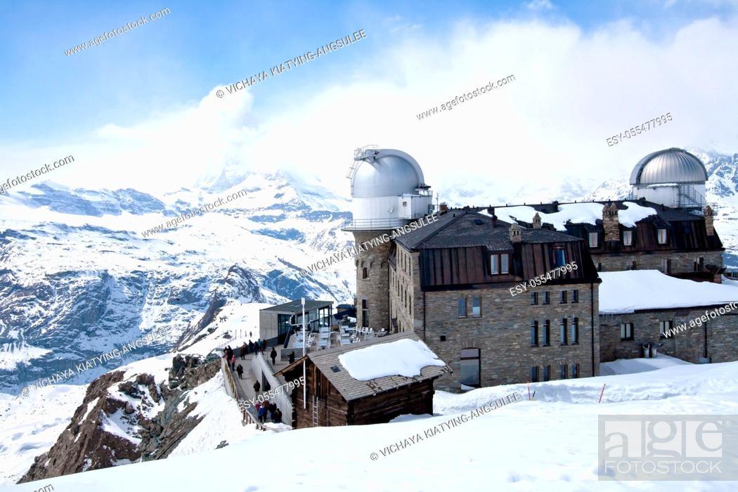 Imagen: The Gornergrat Observatory and Matterhorn peak, Zermatt Switzerland.