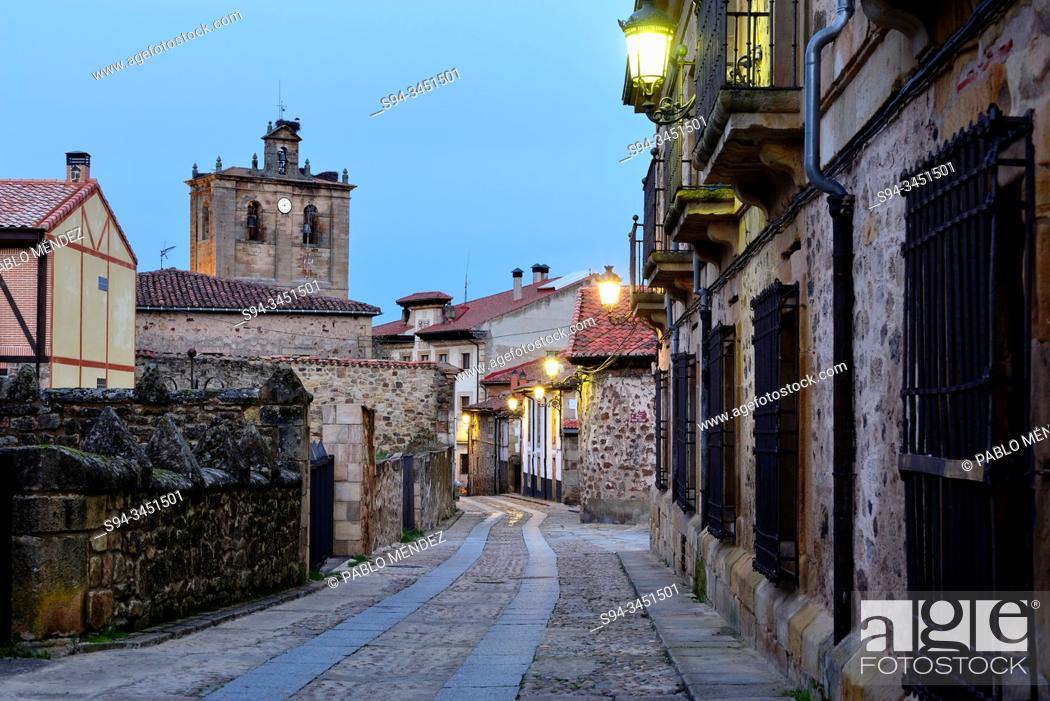 Imagen: Church of Nuestra Señora del Pino, Vinuesa, Soria, Spain.