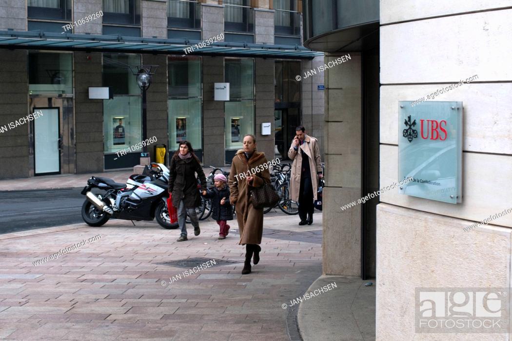 Stock Photo: The UBS and Credit Suisse banks in Rue de la Confederation, Geneva.