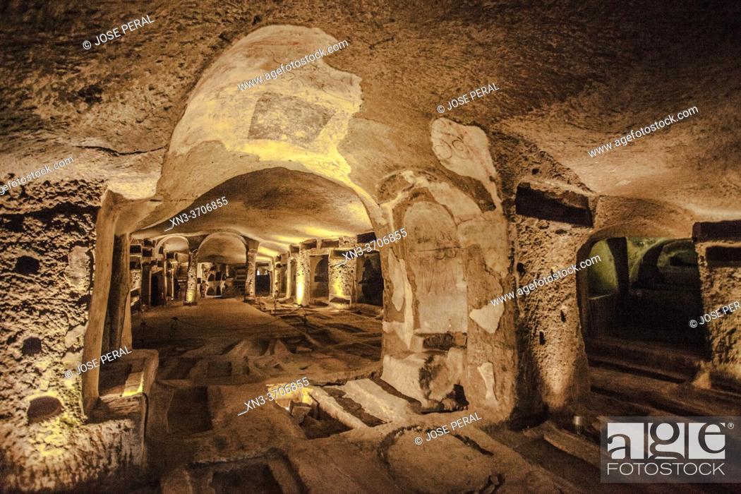 Imagen: Catacombs of Saint Gaudiosus are underground paleo-Christian burial sites, Santa Maria della Sanità, church, Rione Sanità, Naples city, Campania, Italy, Europe.