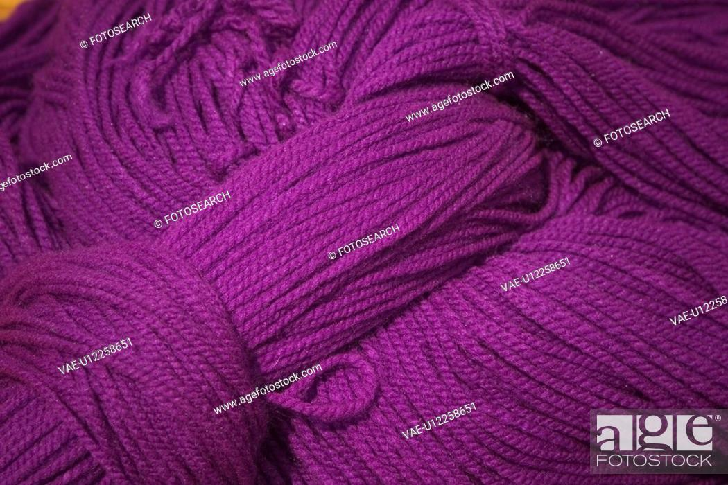 Stock Photo: weaving, yarns.