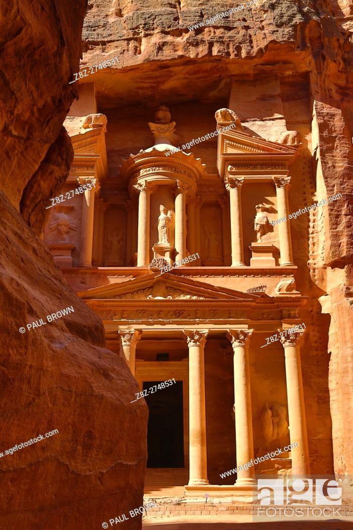 Stock Photo: View of the Treasury, Al-Khazneh, from the Siq, Petra, Jordan.