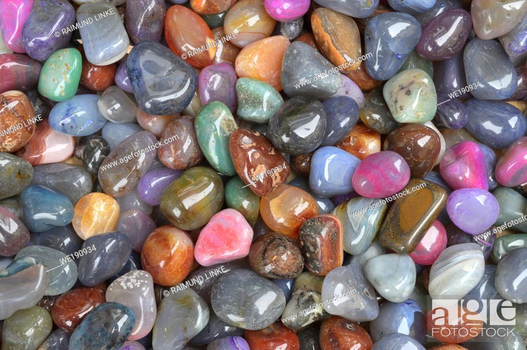 Photo de stock: Colorful pebbles.