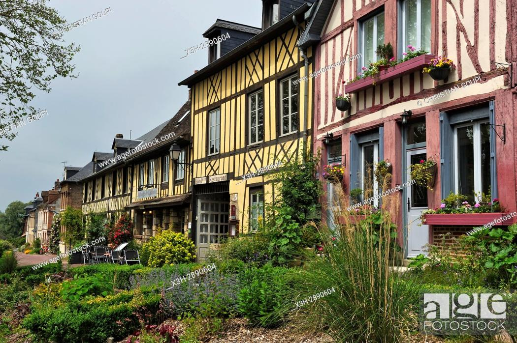 Stock Photo: half-timbered houses along the main street of Bec-Hellouin, labelled Les Plus Beaux Villages de France, Eure department, Normandie region, France, Europe.