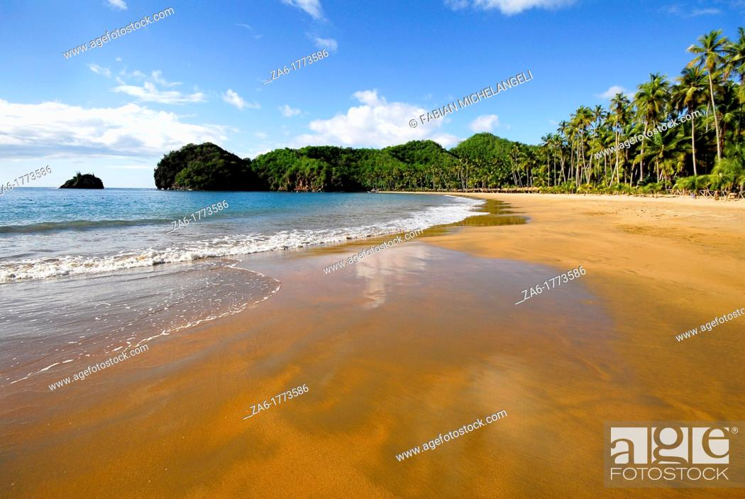 Stock Photo: Playa Medina, tropical beach in Paria Peninsula in the eastern coast of Venezuela.