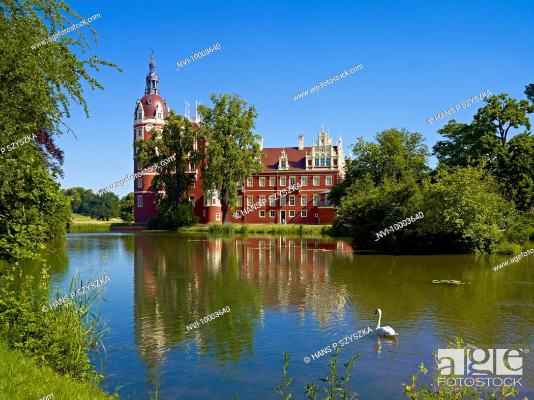 Stock Photo: New Castle in Muskau Park, Bad Muskau, Upper Lusatia, Saxony, Germany.