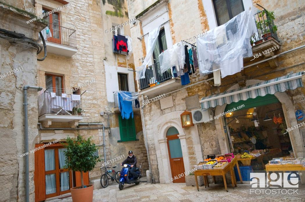 Stock Photo: Italy, Bari, old town.
