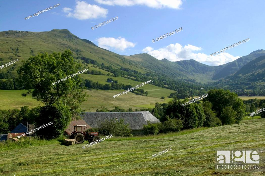 Stock Photo: Impradine Valley and Puy Mary mountain, Cantal mounts, Parc Naturel Regional des Volcans d'Auvergne, Auvergne Volcanoes Regional Nature Park, Cantal, France.