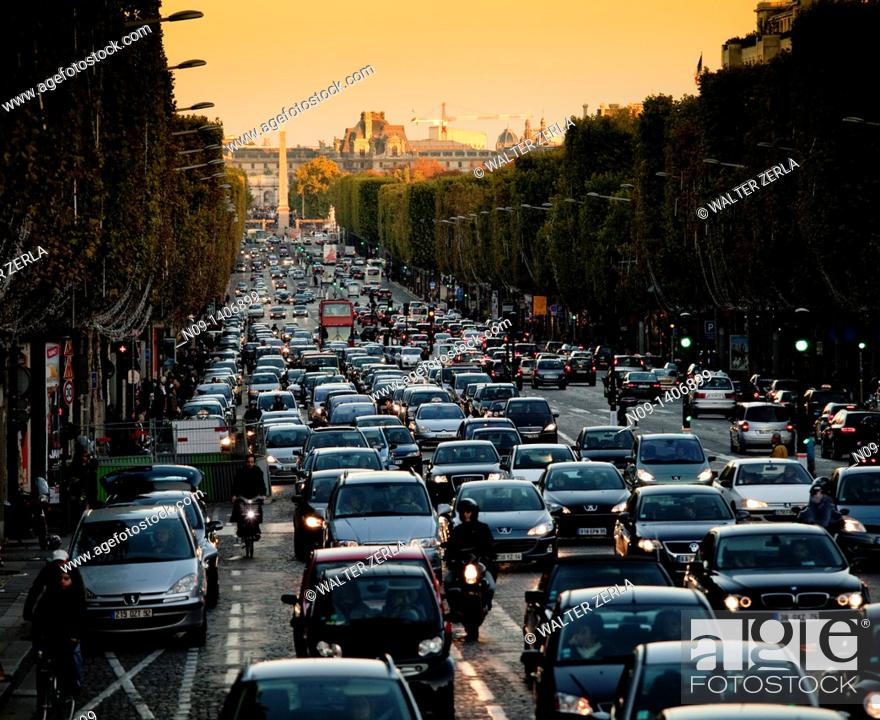 Stock Photo: Place de la Concorde, City traffic.