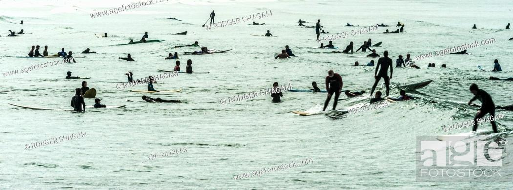 Stock Photo: Crowded day at the surf spot. Cape Town, South Africa.