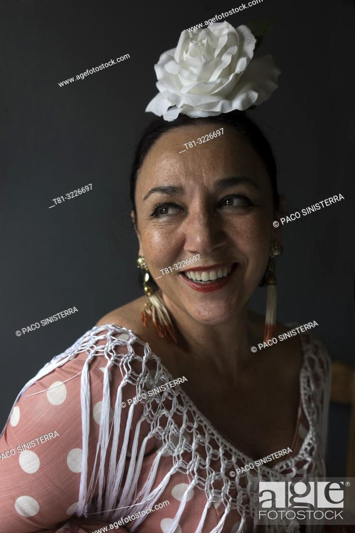 Stock Photo: Woman in traditional andalusian costume, Cordoba, Andalusia, Spain.