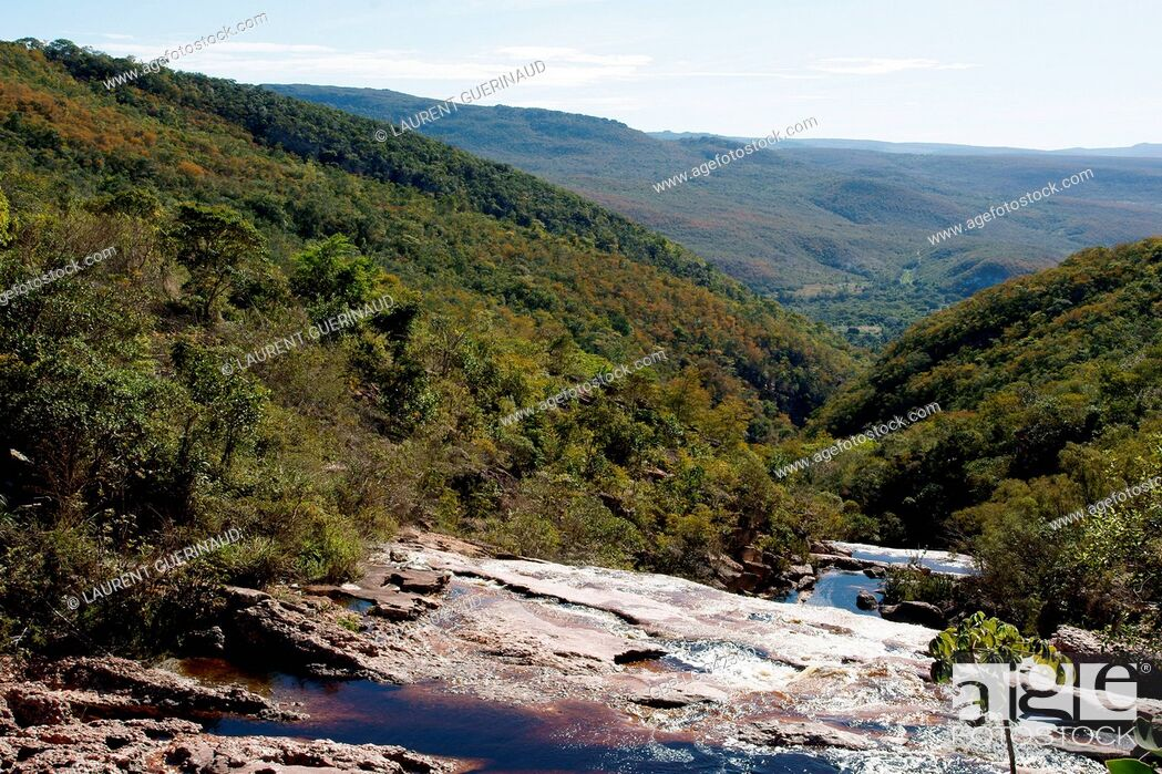 Stock Photo: Landscape, Riachinho Waterfall, Vale do Capão, Chapada Diamantina, Bahia, Brazil.