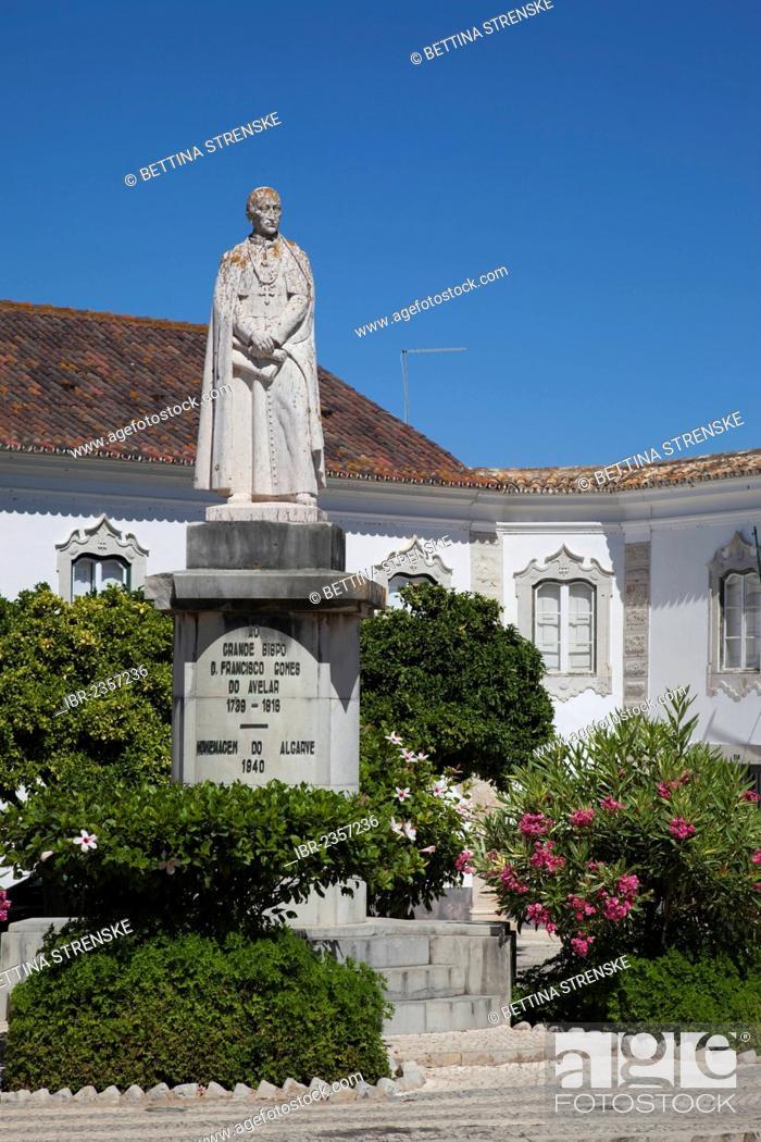 Stock Photo: Statue Ao Grande Bispo Dom Francisco Gomes Do Avelar, Largo de Se, Faro, Algarve, Portugal, Europe.