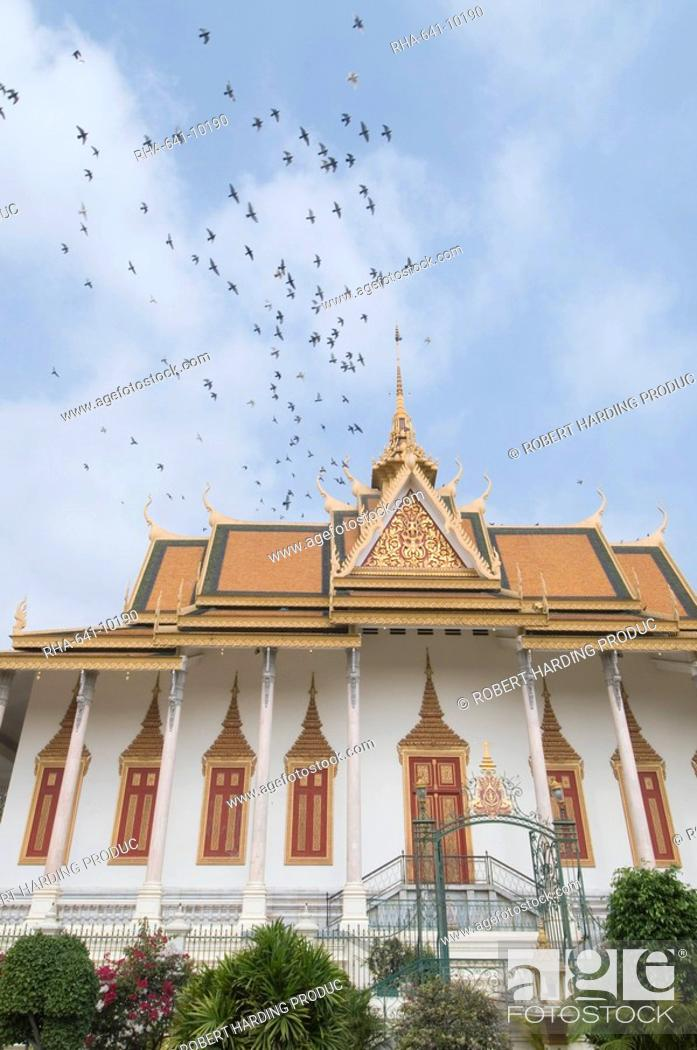 Stock Photo: The Throne Hall, The Royal Palace, Phnom Penh, Cambodia, Indochina, Southeast Asia, Asia.