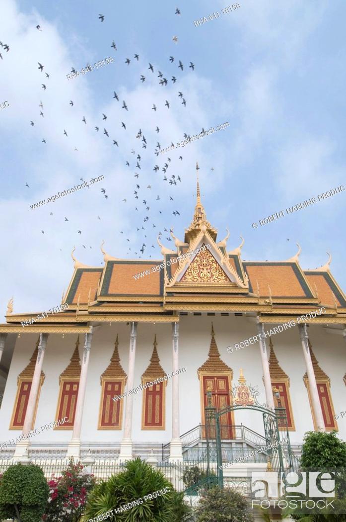 Stock Photo: The Throne Hall, The Royal Palace, Phnom Penh, Cambodia, Indochina, Southeast Asia, Asia.