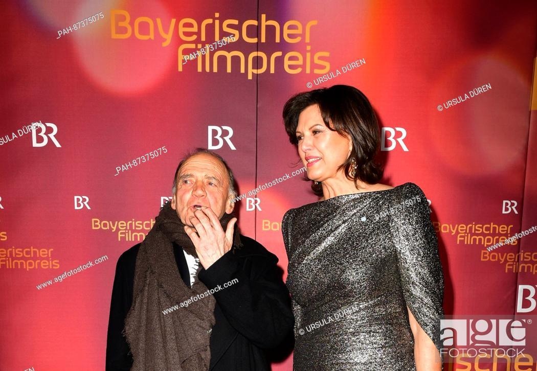 klar und unverwechselbar Ausverkauf 2019 Ausverkauf The Bavarian Economic Minister Ilse Aigner (CSU) and actor ...