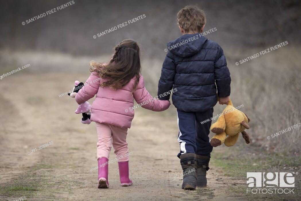 Stock Photo: Dos chicos.