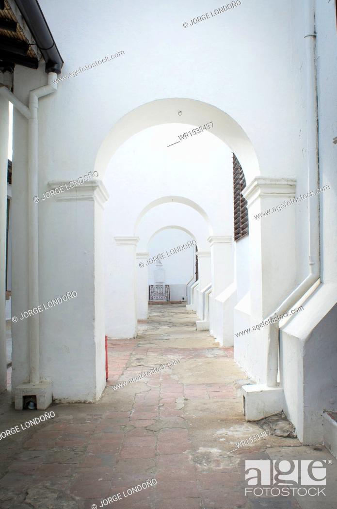 Imagen: Minor Basilica San Juan Bautista, San Juan Giron, Santander, Bucaramanga, Colombia.