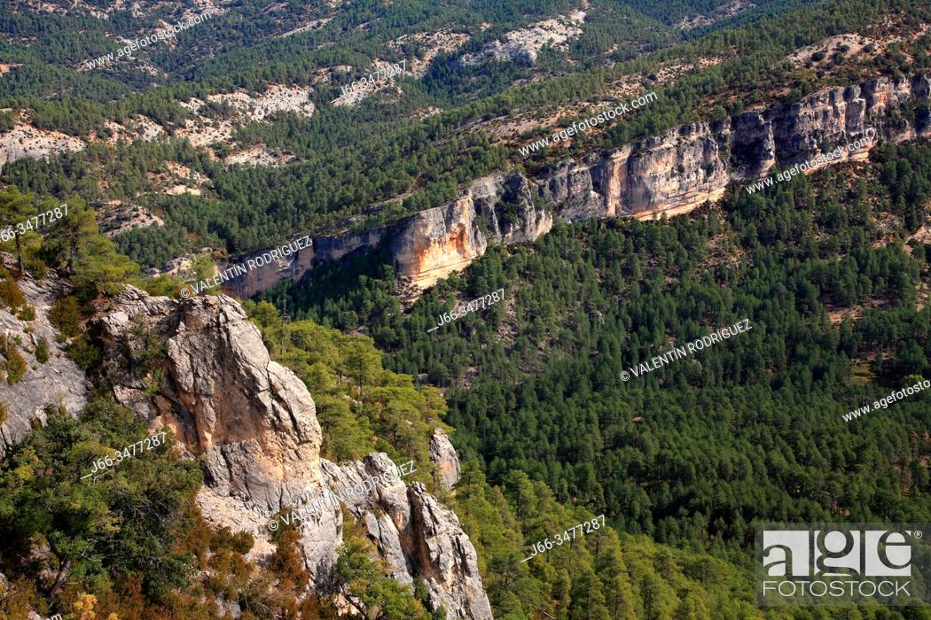 Stock Photo: View of El Hosquillo from the viewpoint of the rock of the clock. Natural park Sierra Cuenca.
