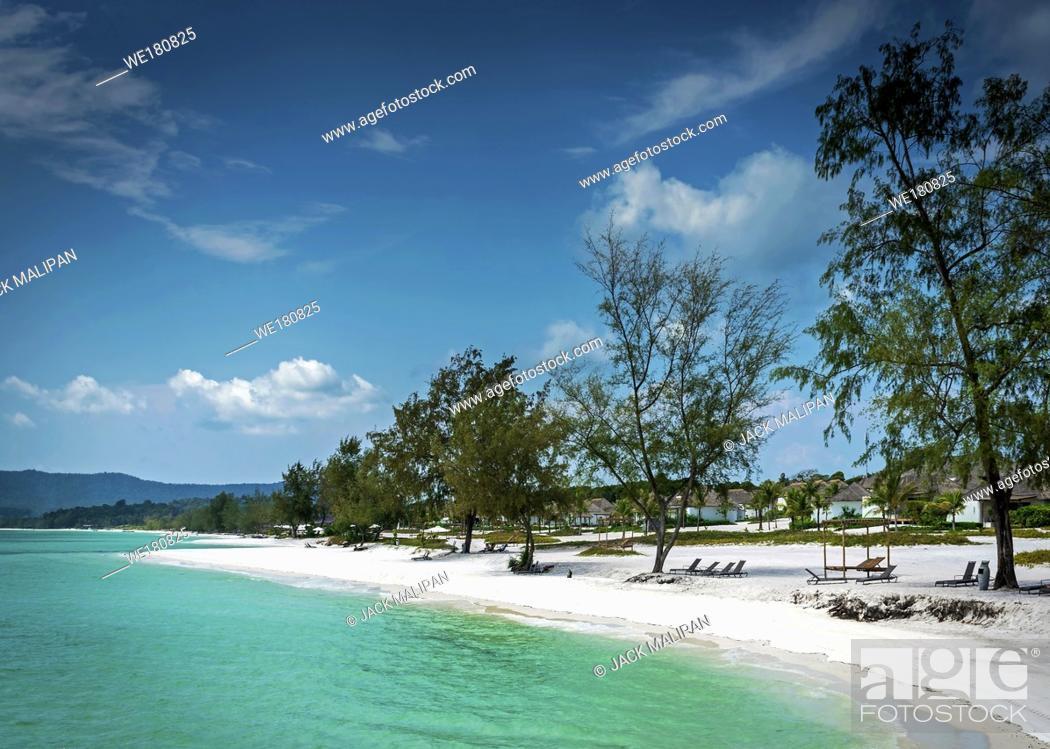 Imagen: view of paradise long beach resort area of koh rong island near sihanoukville cambodia coast.