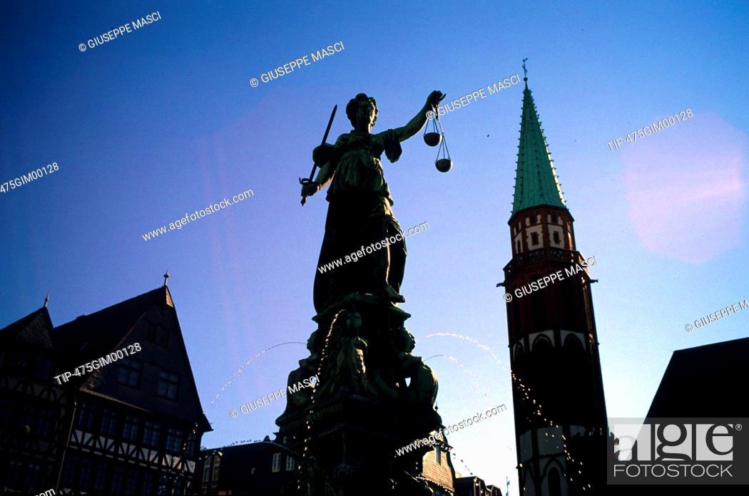 Stock Photo: Germany. Frankfurt, Romerberg square, the justice fountain.