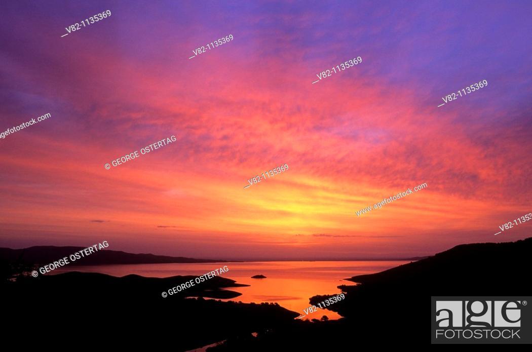 Stock Photo: San Luis Reservoir sunrise, San Luis Reservoir Wildlife Area, CA.