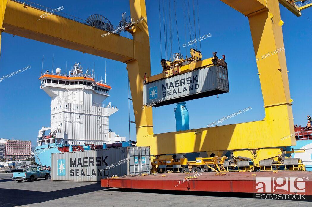 Stock Photo: Commercial port, Algeciras, Cadiz province, Region of Andalusia, Spain, Europe.