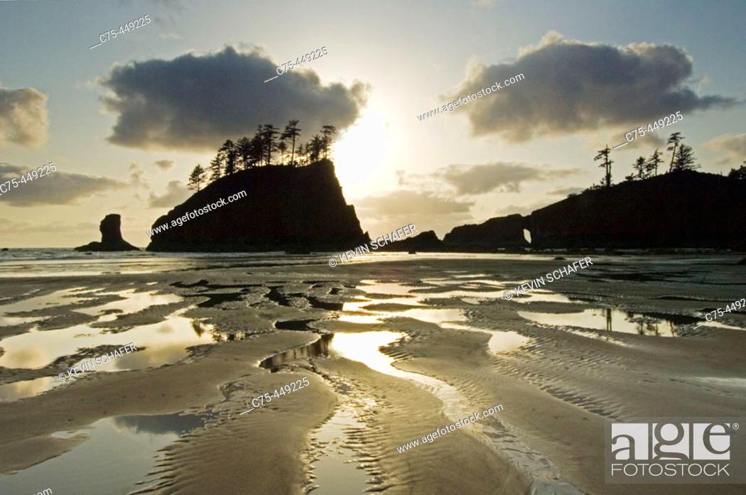 Stock Photo: Natural Arch and offshore stack. Coastline near La Push. Olympic National Park. Washington. USA.