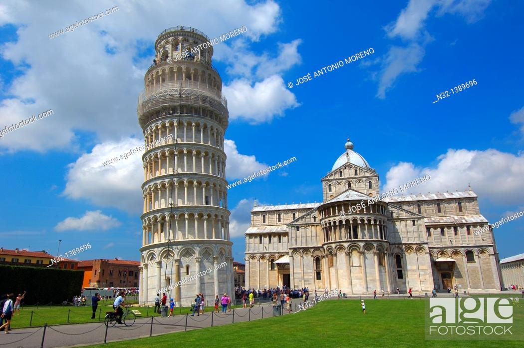 Stock Photo: Pisa, Cathedral, Duomo, Leaning Tower, Piazza del Duomo, Cathedral Square, Campo dei Miracoli, UNESCO world heritage site, Tuscany, Italy.