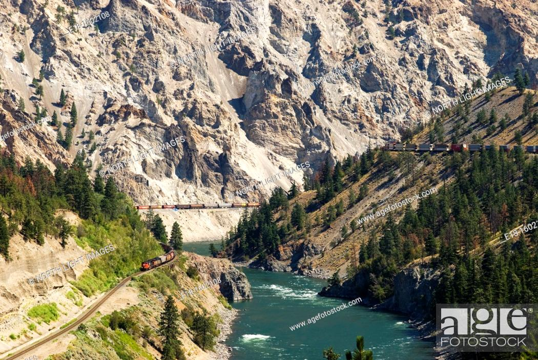 Imagen: Canada, BC, Lytton  Freight trains in the Thompson River Canyon.