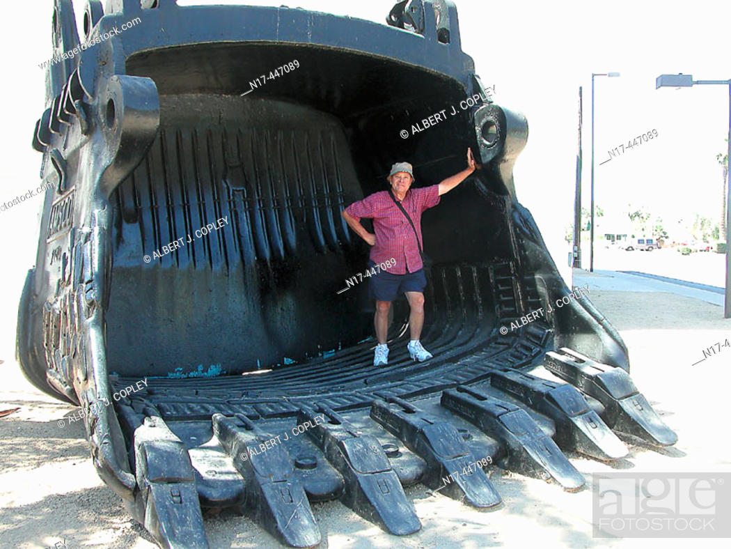 Stock Photo: Open pit mine shovel, 100,000 lbs weight, 27 cubic yards.