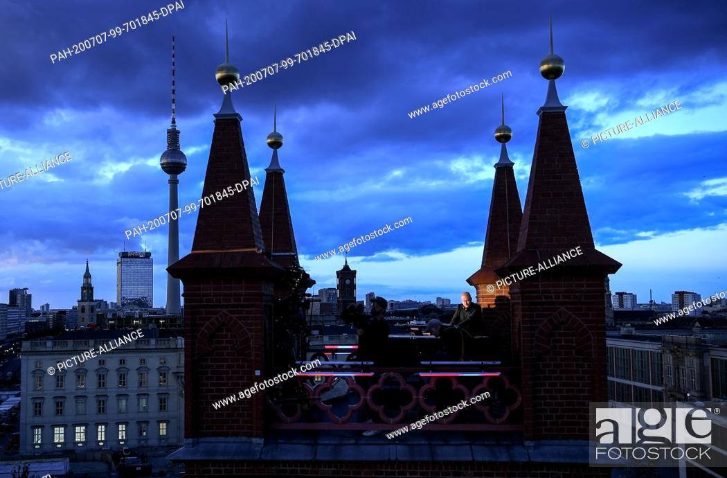 """Imagen: 06 July 2020, Berlin: DJ Moritz Rausch aka Rauschhaus will play on the roof of the Friedrichswerder Church as part of the project """"""""SPOT / berlin art sessions""""""""."""