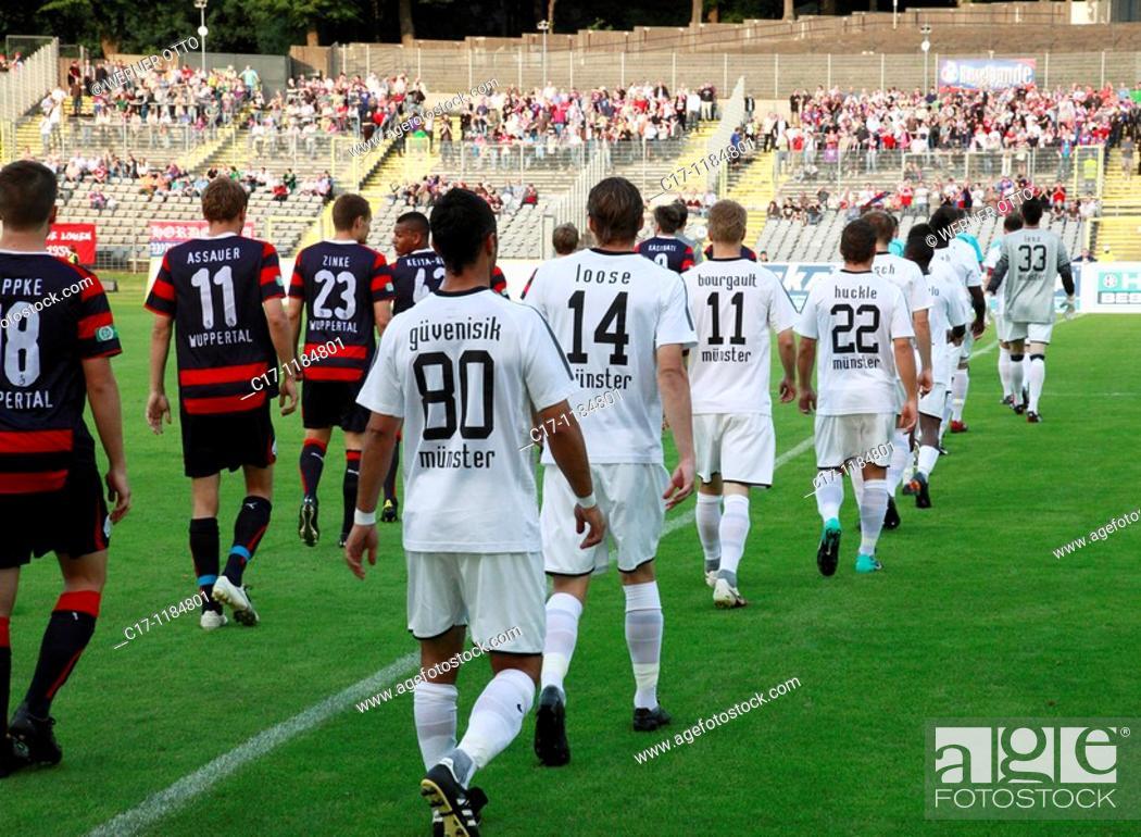 Imagen: Germany, Wuppertal, Wupper, Bergisches Land, North Rhine-Westphalia, sports, football, Regionalliga West, 2010/2011, Wuppertaler SV Borussia versus SC Preussen.