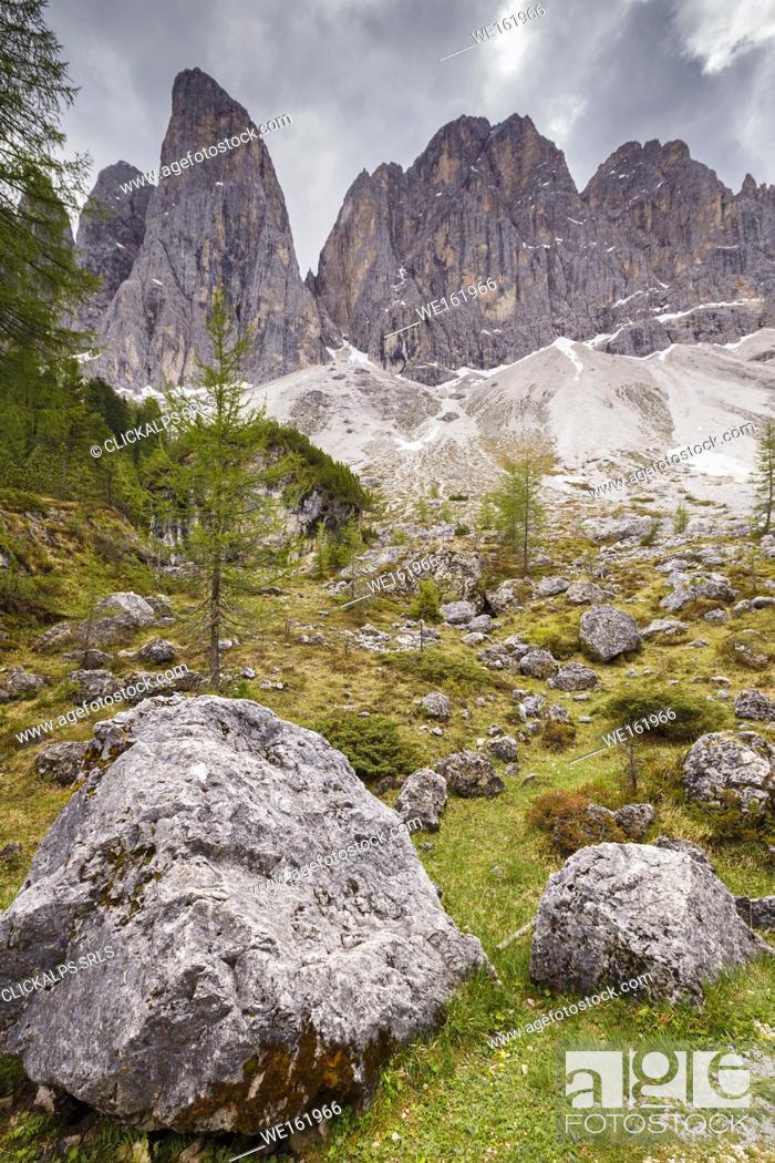 Stock Photo: Parco naturale puez odle, Funes valley, Odle dolomites, South Tyrol, Trentino Alto Adige, Bolzano province, Italy, Europe.