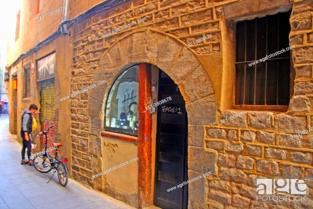Stock Photo: bicycle on the street, Ciutat Vella, Barcelona, Catalonia, Spain.
