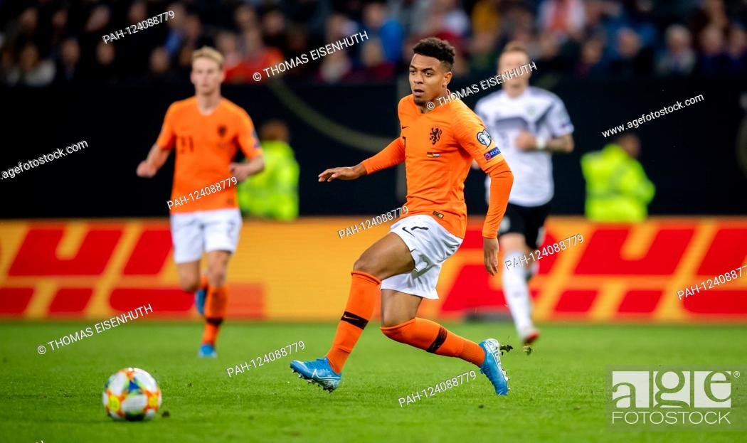 Donyell Malen Netherlands On The Ball Ges Fussball Em