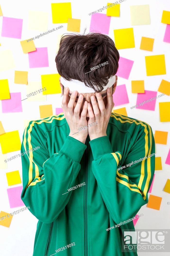 Imagen: Portrait of young male job seeker.