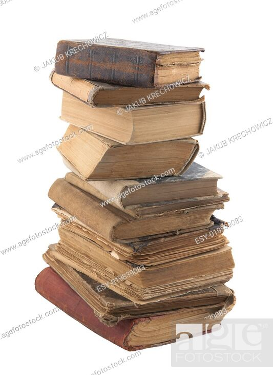 Imagen: Stack of old books with clipping path.