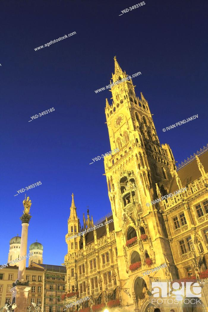 Stock Photo: New Town Hall at Night, Munich, Germany.